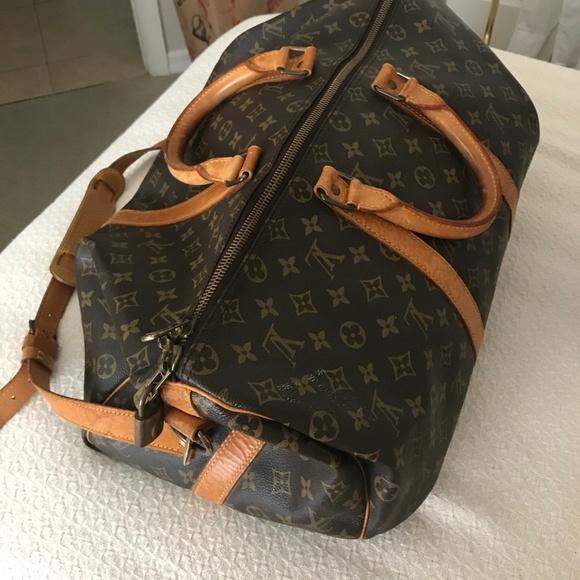 d6b1b56fc0d Classic, Elegant Louis Vuitton Travel Bag